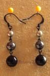 Černé náušnice z voskovaných perliček