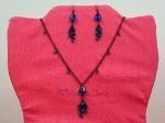 Z naší nabídky vybíráme: Černý náhrdelník a náušnice s modrými kamínky - 180 Kč