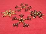 Hnědokrémové perličkové vánoční ozdoby
