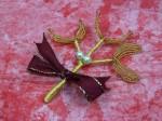 Z naší nabídky vybíráme: Malá zlatá větvička jmelí s bílými perličkami - 45 Kč