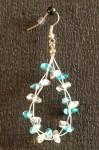 Modrobílé náušnice ze zlomků na lanku