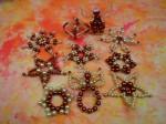 Z naší nabídky vybíráme: Oranžovokrémové perličkové vánoční ozdoby - 330 Kč