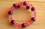 Růžovofialový náramek z kuliček a zlomků