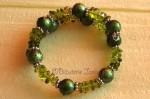 Z naší nabídky vybíráme: Zelený náramek z kuliček a zlomků - 110 Kč
