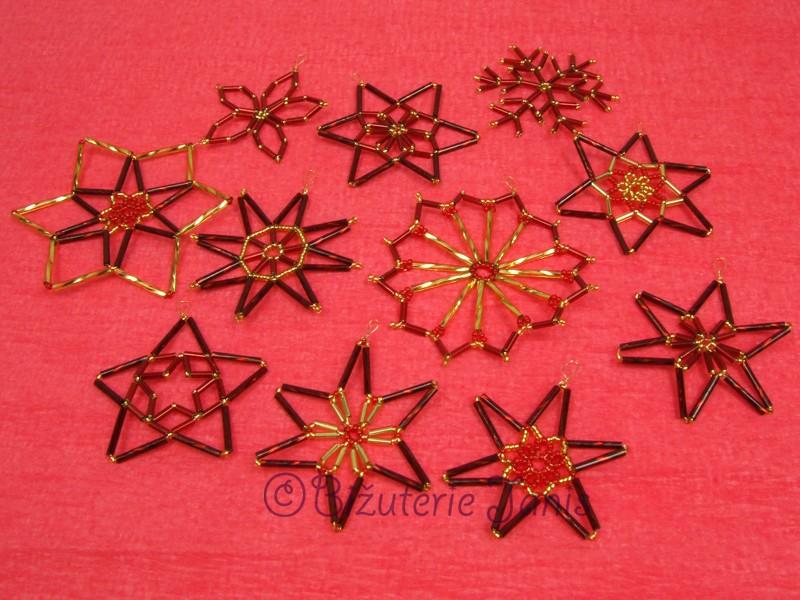 Červenozlaté vánoční ozdoby