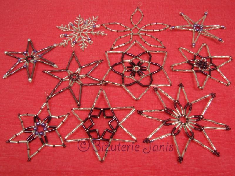 Fialovostříbrné vánoční ozdoby