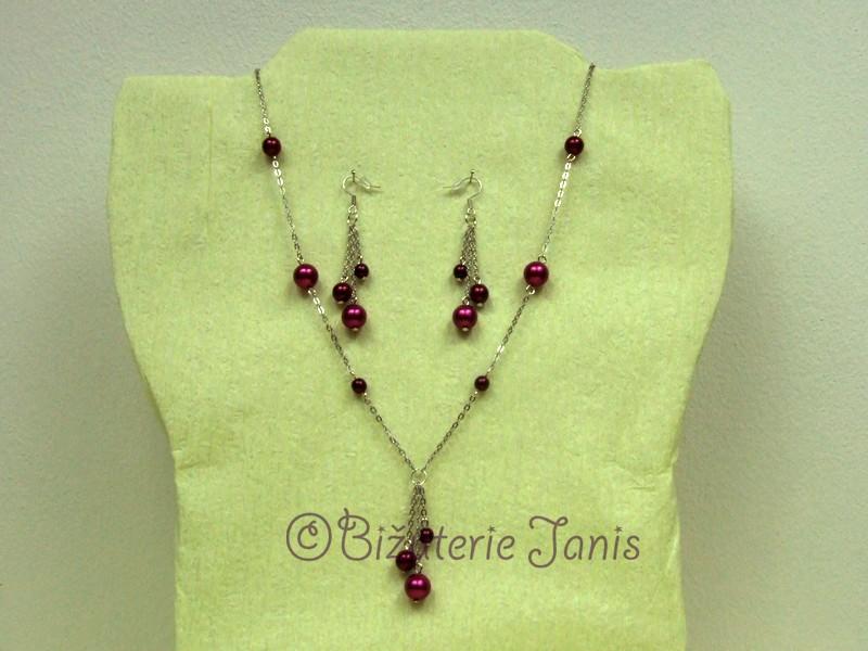 Náhrdelník a náušnice s bordovými perličkami
