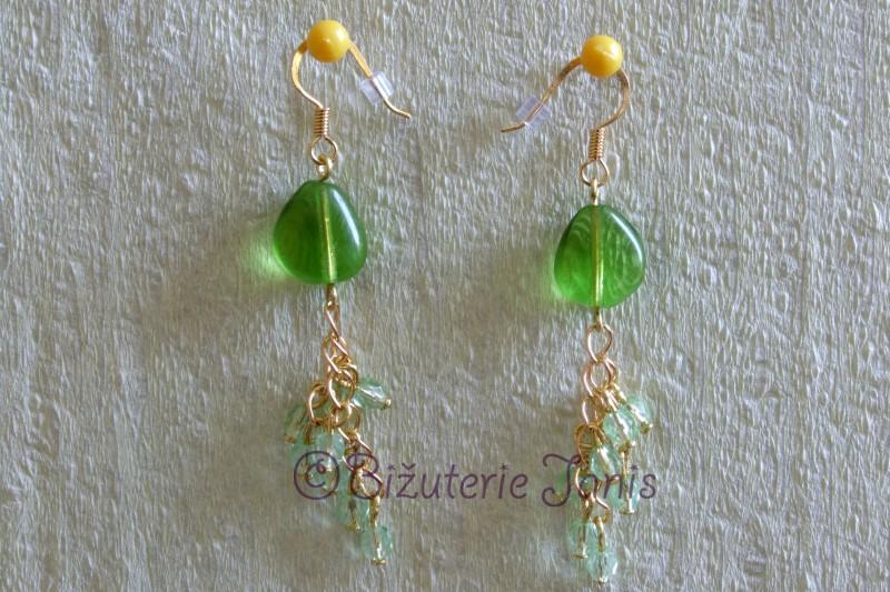 Zelené náušnice se zlatými řetízky 1