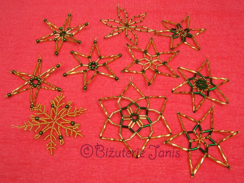 Zlatozelené vánoční ozdoby